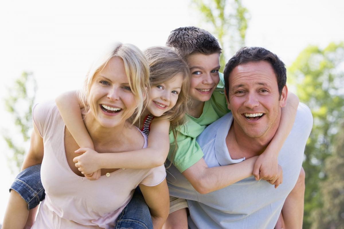happy family who received chiropractic care